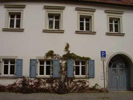 Altstadtwohnung mit 2,5-Zimmer, Balkon und EBK in Weiden in der Oberpfalz