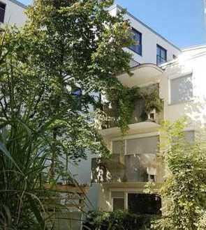 Bestlage Altschwabing! Ruhige 2-Zimmer-Wohnung mit Balkon im grünen Innenhof!
