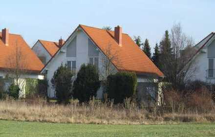 Freistehendes Einfamilienhaus mit unverbaubarer Aussicht.