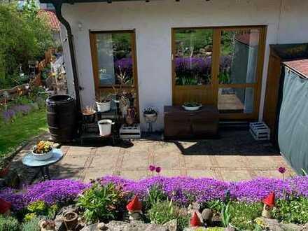Modernisiertes Reihenendhaus mit schönem Garten in Marktbreit