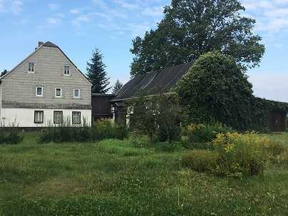 denkmalgeschützter alter 2 Seitenhof mit großem Grundstück
