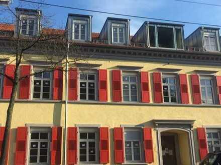Helle und moderne Dachgeschosswohnung in Rastatt