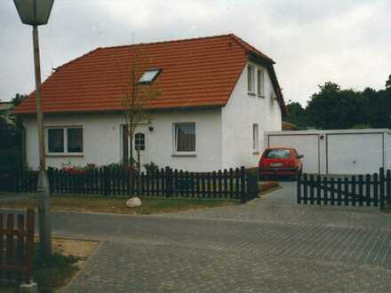 EFH mit Terrasse, Wintergarten und 2 Garagen bei Stralsund