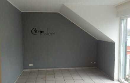 Schöne, geräumige zwei Zimmer Wohnung in Grevenbroich Zentrum.
