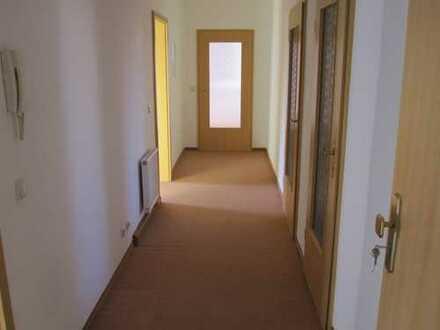 Günstige, gepflegte 3-Zimmer-Wohnung mit gehobener Innenausstattung zur Miete in Apolda