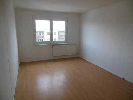 Große Wohnung für Familie mit 1-2 Kindern im Zentrum von Pasewalk, ab sofort!