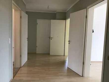 Moderne, sonnige, vollsanierte 4-Zimmer-DG-Wohnung mit EBK in Radebeul