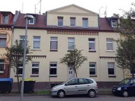 Modernisierte 3-Zimmer-Dachgeschosswohnung in Burg