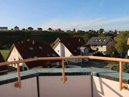 **Einzug 2021 in 4 Zi. Wohnung mit Balkon, Lauffen a.N.!**