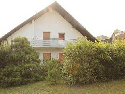 **großzügige Doppelhaushälfte mit Balkon und Terrasse**