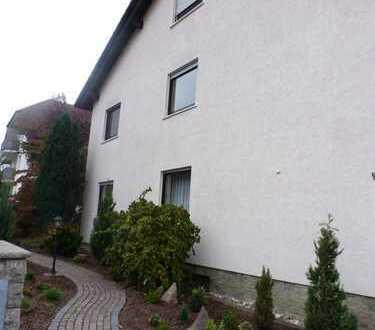 Ruhige, geräumige, helle viereinhalb Zimmer Wohnung in Sulzbach am Main,