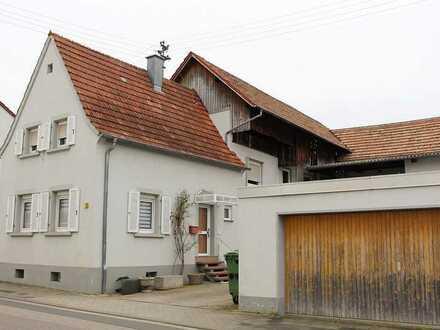 Kuhardt: Dreifamilienhaus mit Garten, Hof und Doppelgarage
