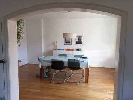 Sonnige Wohnung mit Balkon - hervorragende LAGE!