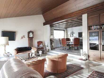 Gehobenes Wohnen: Edles EFH mit Schwimmbad, Sauna, Marmorböden und fast 80 m² Ausbaupotenzial im DG