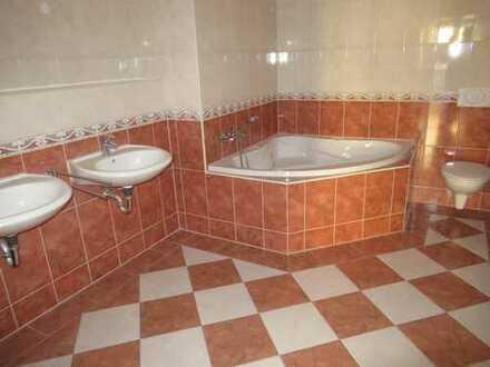 Viel Platz für Groß und Klein ! Großzügige 4 Zimmer Wohnung mit Balkon in Zwickau Pölbitz!