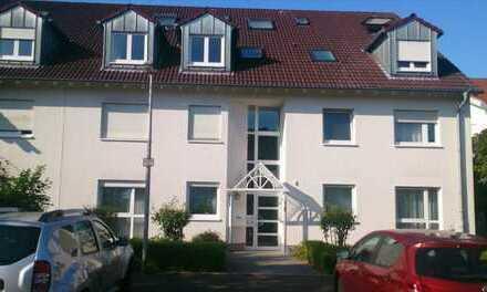 Schöne 3 Zimmer Wohnung mit Terrasse in Nievenheim