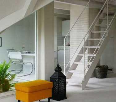 Großzügige, sonnige Galerie-Maisonettewohnung mit Balkon und Stellplatz - sofort frei