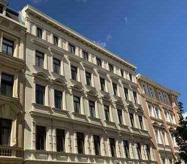 Erstbezug nach Komplettsanierung - 3 Raum Wohnung mit Balkon im Einzeldenkmal
