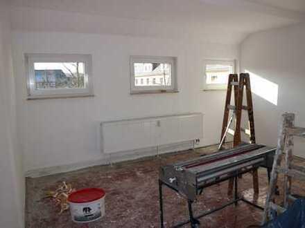 Wohnen am Küchwald - neues Laminat - große Tageslichtküche - lichtdurchflutete Zimmer