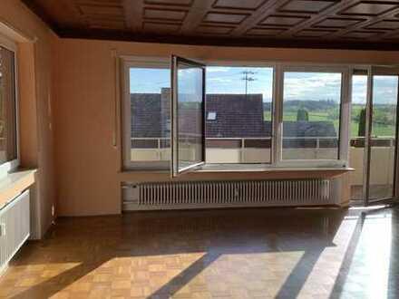 Schöne 5-Raum-Wohnung mit EBK und Balkon in Regglisweiler
