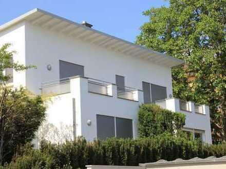 Renovierte Doppelhaushälfte mit traumhaften Garten in Frankfurt-Bergen ohne Provision