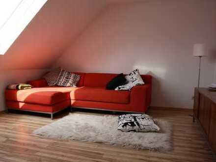Freundliche, gepflegte 3-Zimmer+ Spitzdach Wohnung in Köln-Nippes