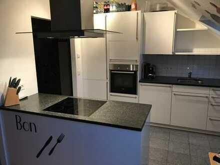 hochwertig und schöne 2 ZKB-DG-Wohnung mit großzügiger Terrasse