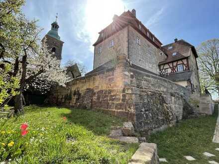 Moderne Maisonettenwohnung im Schloss Kalchreuth mit Garten und sagenhaften Fernblick