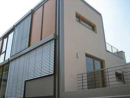 Exklusives Architekten-Mini-Reihenhaus mit Dachterrasse und Panorama-Ostseeblick