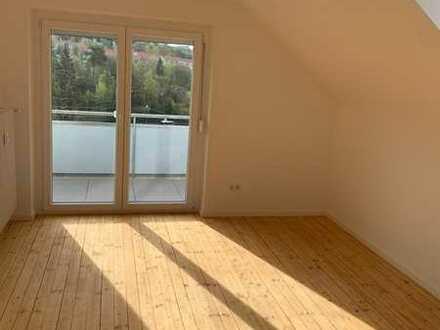 Renovierte 3-Zimmer-Wohnung mit Balkon in schöner Aussichtslage
