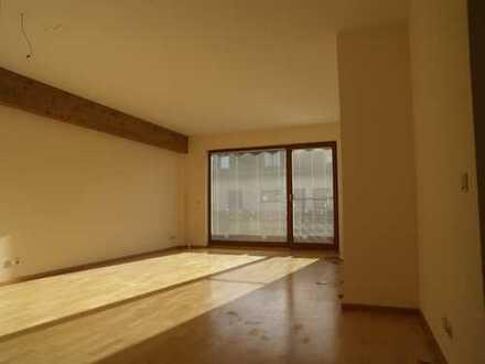 Familienfreundliche, sonnige 4-Zimmer-Wohnung mit Balkon und EBK in Höhenkirchen-Siegertsbrunn