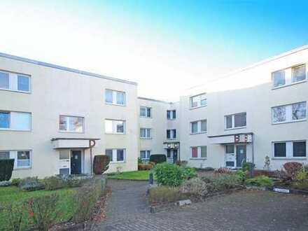 Vollständig renovierte, großzügige 3-Raum-Wohnung zentral mit Süd-Loggia und Einbauküche