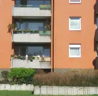 Schöne, sanierte 3 Zimmerwohnung mit Balkon