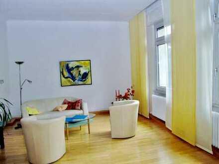 Wohnen mit Stil und Flair... können Sie in dieser umfassend modernisierten Jugendstil-Wohnung
