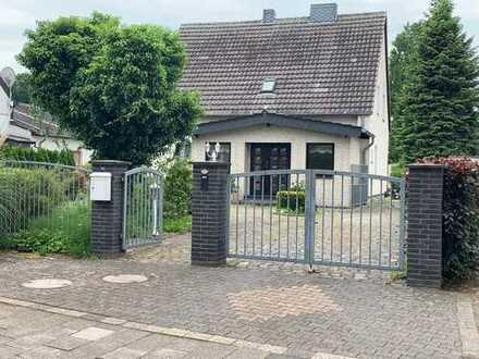 Einfamilienhaus in bester Lage direkt am Rhein