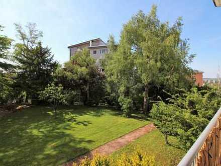 Komplett sanierte Wohnung mit Balkon in ruhiger und zentraler Lage von Stuttgart