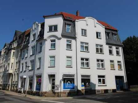gut geschnittene und moderne Dachgeschosswohnung