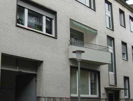 Großzügige, gut geschnittene Dreizimmerwohnung mit Dachterrasse in der Innenstadt (provisionsfrei)