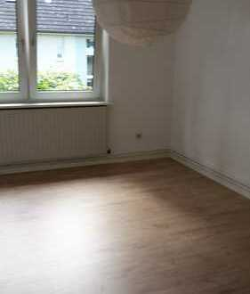 Gepflegte 3-Raum-Wohnung mit Balkon und Einbauküche in Hamburg-Tonndorf