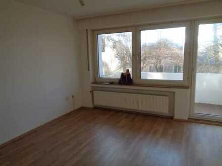Provisionsfrei - direkt vom Eigentümer -gut geschnittene 2 Zimmer Wohnung mit Balkon - Bodestr. 38