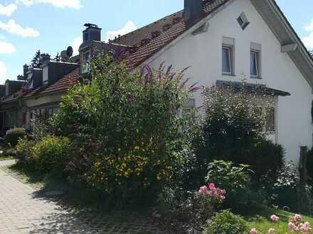 Schönes und gepflegtes 9-Zimmer-Reihenendhaus zum Kauf in St. Mang, Kempten (Allgäu)