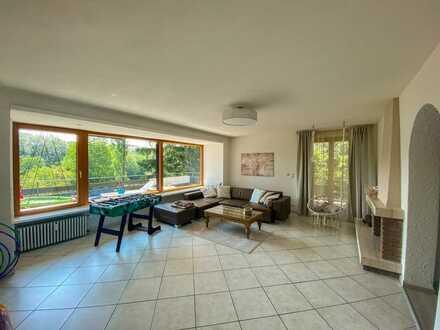 *Haus im Haus* Moderne 5-Zimmer-Wohnung mit großem Balkon