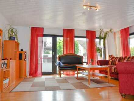 Großzügige 4 Zimmerwohnung mit 3 Balkonen in sehr ruhiger und bevorzugter Wohnlage in Kuppenheim