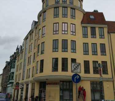 Barrierefreie, neu sanierte 2-Zimmer-Wohnung im Erdgeschoss, Fußboden-Zentralheizung, Keller
