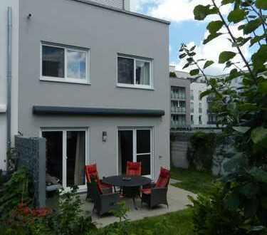 Schönes, geräumiges Haus mit 4,5 Zimmern in Augsburg, Pfersee
