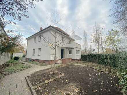 *E*I*N*M*A*L*I*G*! kernsaniertes Haus mit schönem Garten in *Alt-Fechenheim* zu vermieten!