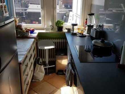 MmModernisierte 3-Raum-DG-Wohnung mit Balkon und Einbauküche in Bremen