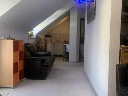 Geräumige, neuwertige 1-Zimmer-Wohnung mit gehobener Innenausstattung zum Kauf in Waldstetten