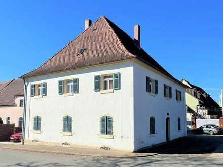 Cadolzburg - MFH ca. 338 qm möglich, Sanierungsbedürftig mit Sonderabschreibung zum Steuer sparen