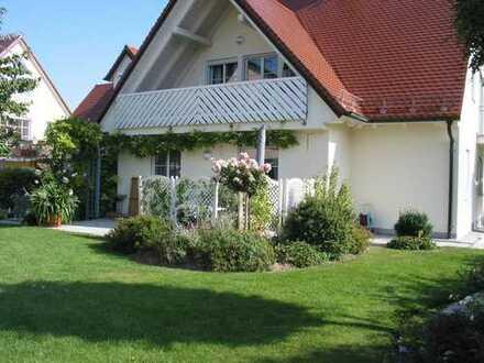 Tolle 5-Zimmer-Wohnung in Erdweg (S-Bahn) mit Balkon/Terrasse/Garten